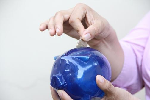 ¿Para qué ahorran y se endeudan personas y microempresarios? Radiografía del escenario nacional