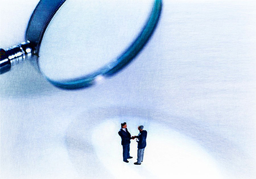Revisor fiscal: ¿puede efectuarse su contratación mediante contrato de trabajo?