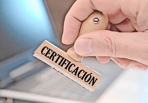 No entregar certificado de antecedentes disciplinarios constituye un incumplimiento de obligaciones