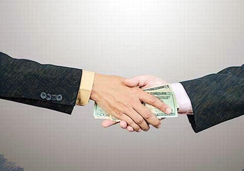A menor corrupción, mayor crecimiento económico e ingresos fiscales para los países