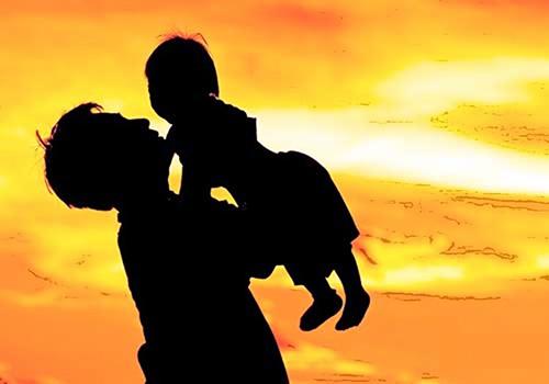 Fuero de paternidad por cónyuge o compañera permanente embarazada a cargo del trabajador