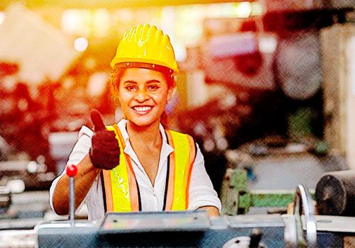 Prima de servicios: ¿cómo debe liquidarse cuando el trabajador devengó horas extra?
