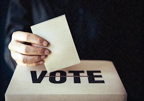 Beneficios para empleados que ejercen el derecho al voto y/o fueron elegidos como jurados de votación
