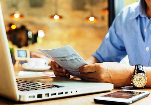 Defectos en la descripción de los requisitos de los documentos equivalentes a factura de venta
