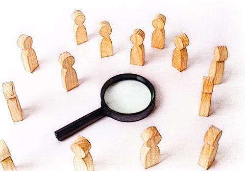 ¿Cuáles habilidades blandas deben ser tenidas en cuenta por los auditores forenses?