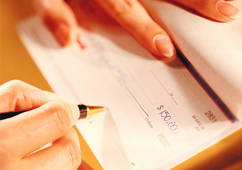 Librar cheques sin fondos lo hace responsable civil y penalmente
