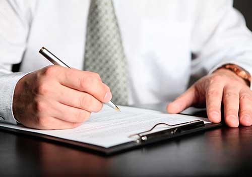 Firma en las notas de los estados financieros, ¿responsabilidad del revisor fiscal o del contador?