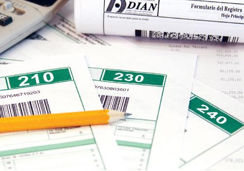 Formularios 210, 230 y 240 también deberían tener espacio para firma de contador, pero no lo incluyen
