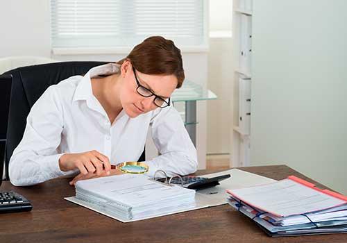 Comité de auditoría es responsable de la designación y vigilancia del auditor independiente