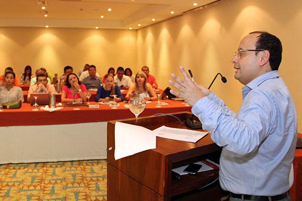 Colombia avanza en políticas de cobertura universal de protección social
